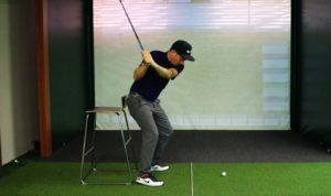 balance golfschwung 300x178 - So kontrollierst Du Deine Ausrichtung auf der Driving Range