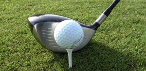 ball auf tee 300x147 - Golfschläger
