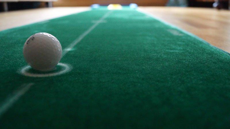 best track matte - 6 Geschenkideen für Golfer zu Weihnachten