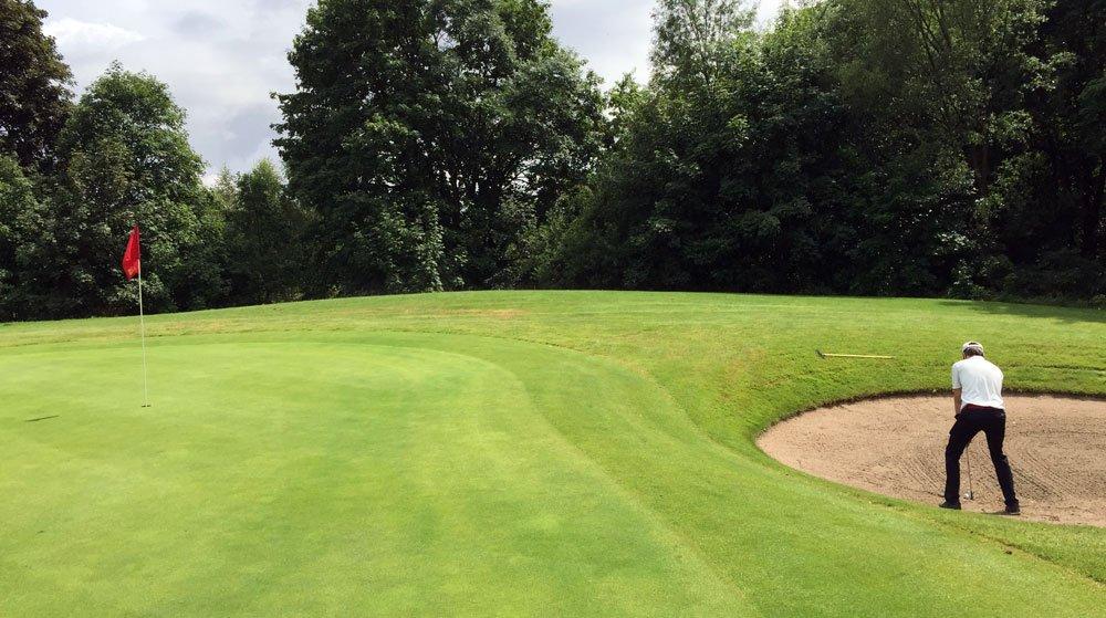 bunker golf 1 - 18 Gründe, warum Du gerade schlecht golfst