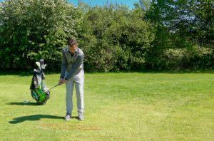chip golf chippen 300x198 - Löffeln beim Chippen vermeiden