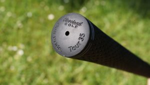 cleveland cg black hybrid griffende 300x170 - Die besten Hybrid-Schläger im Test