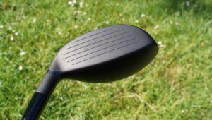 cleveland cg black hybrid grooves 300x170 - Die besten Hybrid-Schläger im Test