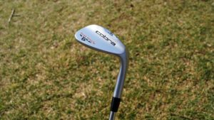 cobra tour trusty kopf 300x169 - 10 Gap-Wedges im Test