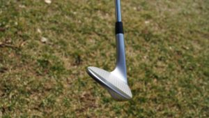 cobra tour trusty sohle 300x169 - 10 Gap-Wedges im Test