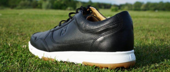 fj casual hinten 700x297 - Die schönsten Herren-Golfschuhe im Sneaker-Style
