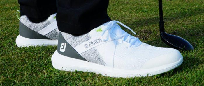 fj flex seite 700x297 - Die schönsten Herren-Golfschuhe im Sneaker-Style