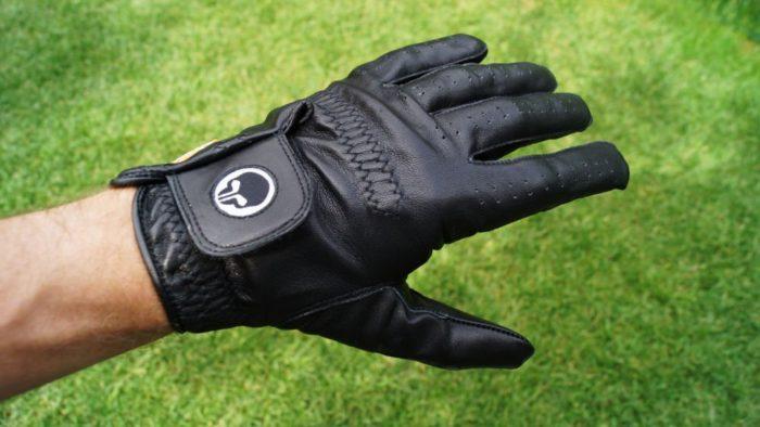 foreace glove ruecken 700x394 - Die besten Golfhandschuhe –Kaufratgeber