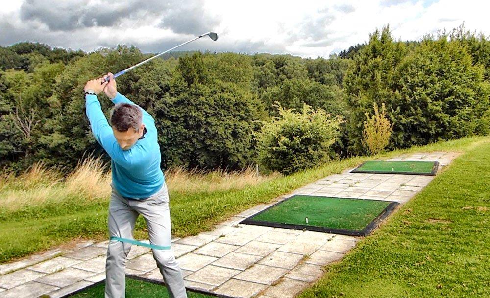 Stabiler Golfschwung mit dem Mini-Band