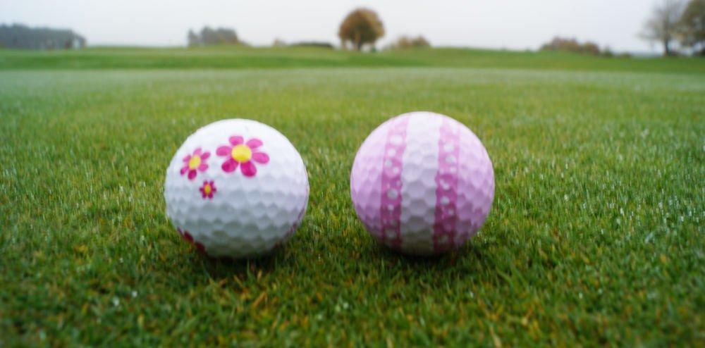 golfbaelle muster - Bunte Golfbälle für den Winter