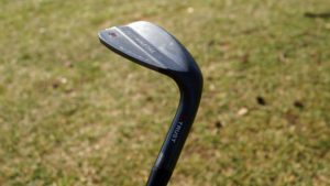 jg golf wedge kopf 300x169 - 10 Gap-Wedges im Test