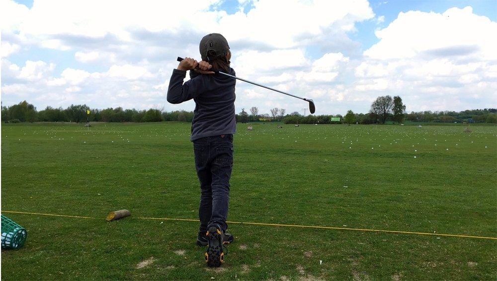 Mit den richtigen Schlägern hat Dein Kind mehr Spaß am Golfspiel