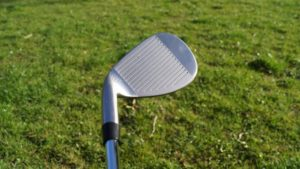 komperdell hs09 wedge grooves 300x169 - 10 Gap-Wedges im Test