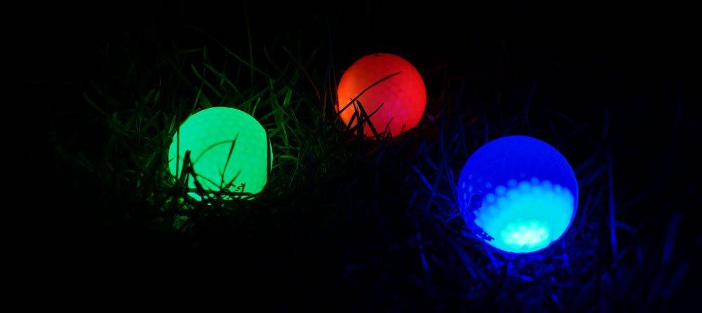 light up farben - Leuchtbälle - Golfen in der Dämmerung