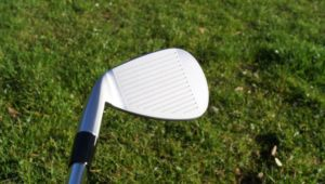 mizuno t5 grooves 300x170 - 10 Gap-Wedges im Test