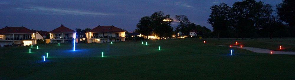Golfplätz mit LED-Markern