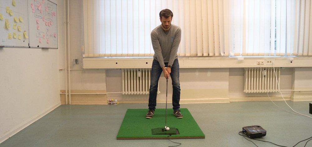 optishot2 im einsatz - Optishot 2 – Golfsimulator für zu Hause
