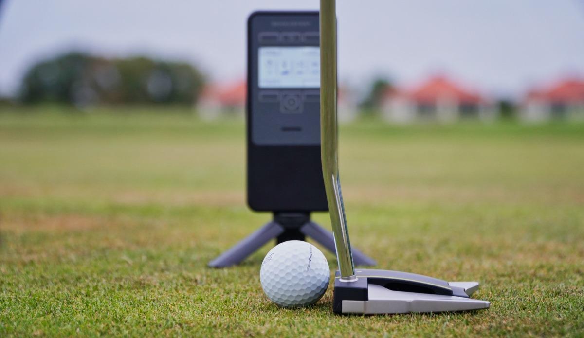 sensuglasses putt - SensuGlasses – Gezielt das Gefühl beim Golf trainieren