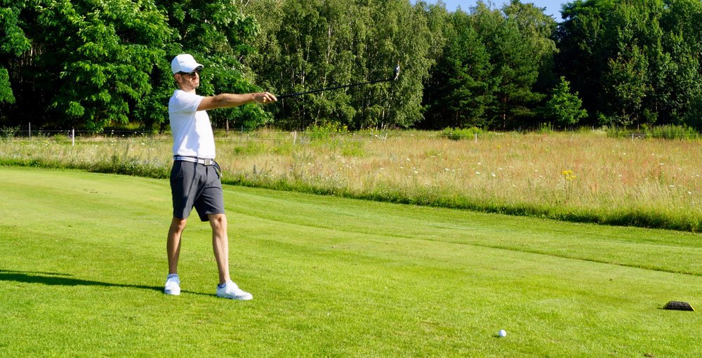 sommer outfit aiming - Sportlich elegantes Golf-Outfit für den Sommer