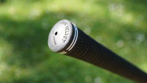 srixon z series h45 griffende 300x169 - Die besten Hybrid-Schläger im Test