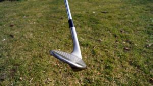 taylormade tour preferred wedge grooves 300x169 - 10 Gap-Wedges im Test