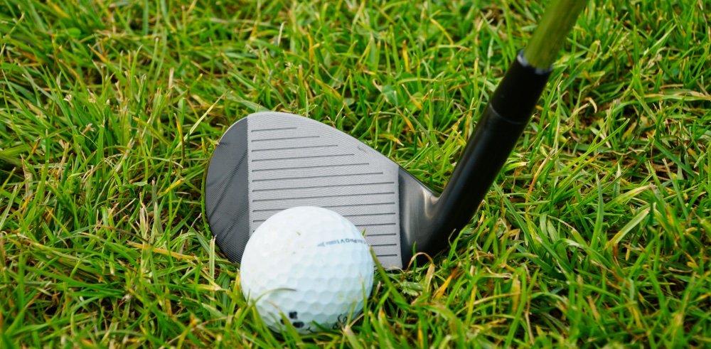 titangolf am ball - Titan Golf: Backspin-Wedges aus Deutschland