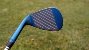 wilson fg tour wedge grooves 300x169 - 10 Gap-Wedges im Test